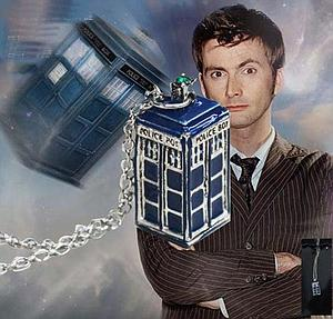 Doctor Who Necklace Tardis