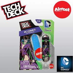 Tech Deck 96mm Fingerboard - DC Comics Catwoman