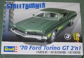 Revell 1:25 Scale Model Kit Street Burner '70 Ford Torino GT 2'n1 (RMX4099)