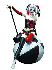 Harley Quinn Statue by Luis Royo