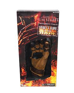 "A Nightmare on Elm Street 14"" Freddy's Glove Prop Replica (2010)"
