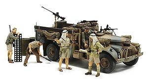 British LRDG Command Car - North Africa with 7 Figures (32407)