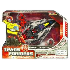 Transformers Universe Series Voyager Class Autobot Blaster