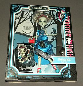 Mattel Monster High Scary Tales Story Exclusive Deluxe Doll: Threadarella