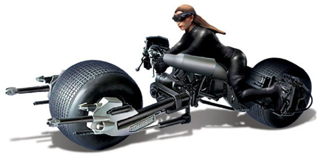 1:18 Scale Model Kit: The Dark Knight Rises Catwoman with Bat-Pod
